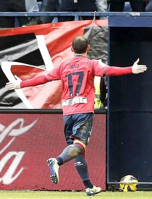 Nino comemora gol do Osasuna contra o Deportivo La Coruña (Foto: Agência EFE)
