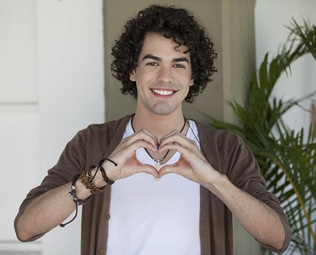 Sam Alves retribui o carinho que recebe dos fãs (Foto: Fabiano Battaglin/TV Globo)