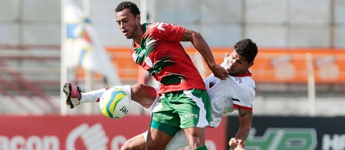 Jackson Caucaia e Diego Silva, Ituano x Portuguesa (Foto: Miguel Schincariol/Agência Estado)