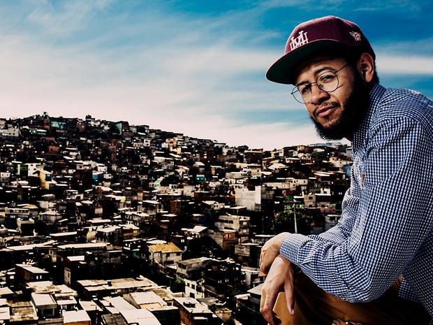 O rapper Emicida, que fecha a primeira noite do festival Batida Afro, no CCBB de Brasília (Foto: José de Holanda/Divulgação)