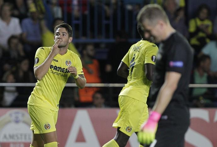 Alexandre Pato gol Villarreal (Foto: AFP)