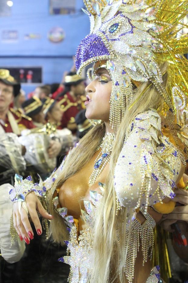 Dani Vieira, rainha da Renascer de Jacarepaguá (Foto: Raphael Mesquita/Fotorio News)