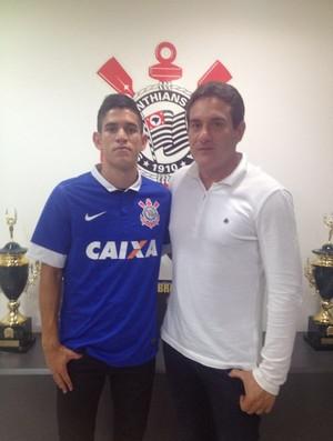 Gustavo Vieira e Gamarra Corinthians (Foto: Diego Ribeiro)