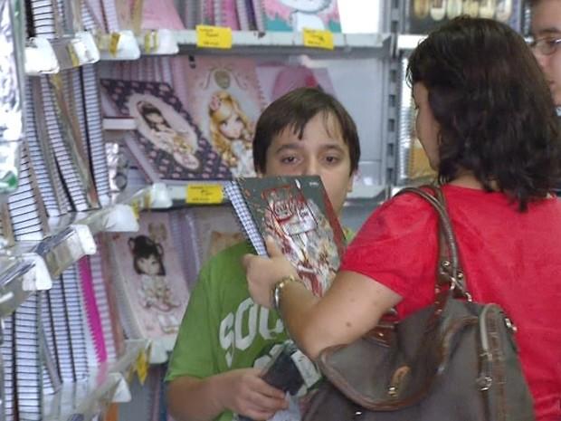 Preços de material escolar têm uma diferença de até 337% em Rio Claro (Foto: Ronaldo Oliveira/EPTV)