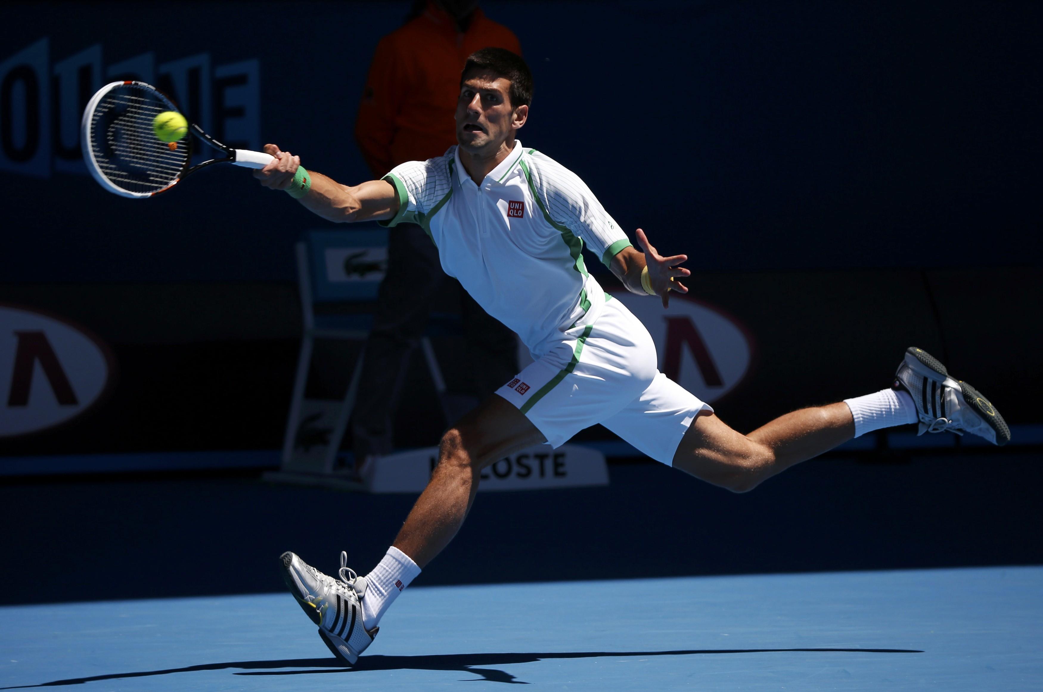 Novak Djokovic passa fácil pelo francês Mathieu na estreia da competição (Foto: Reuters)