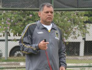 Toninho Andrade, técnico do Voltaço (Foto: Igor Bravo/Fair Play Assessoria)