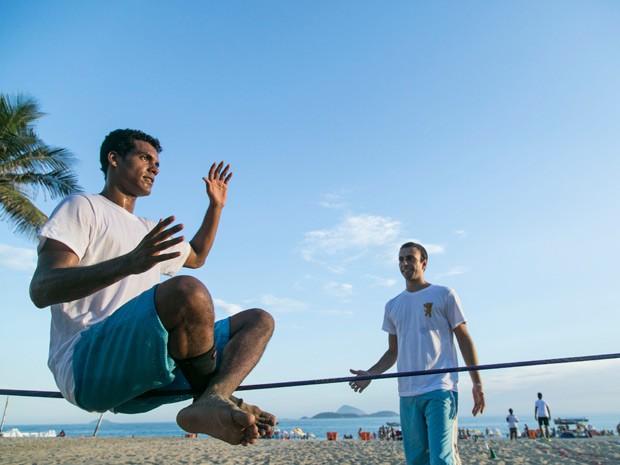 O treinador Conrado é só elogios para o ator (Foto: Raphael Dias/Gshow)