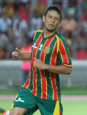 Meia volta a marcar em torneios nacionais e Cavalcanti comemora terceiro  gol na competição 894279618f8ab