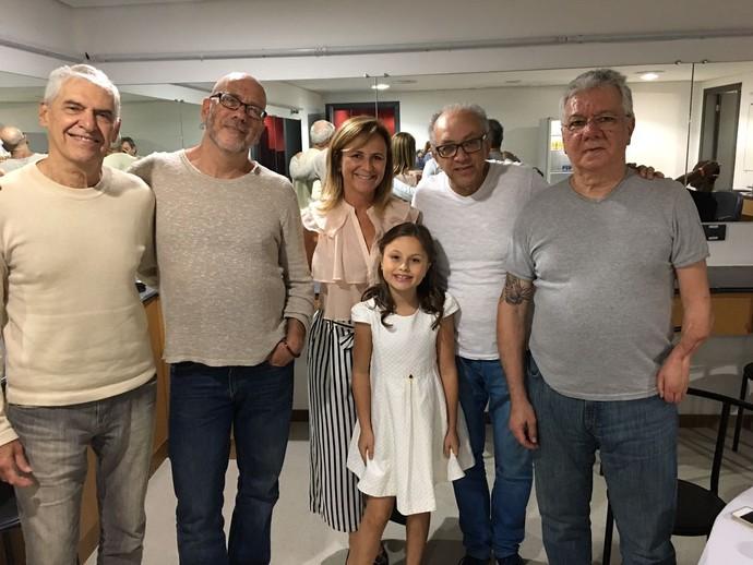 A família registrou o momento ao lado da equipe de Toquinho (Foto: arquivo pessoal)