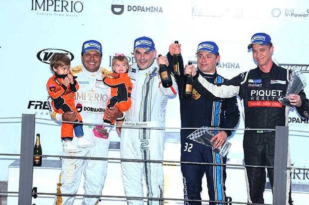 Pódio Porsche Cup Sport  corrida extra (Foto: Divulgação/Victor Eleuterio )