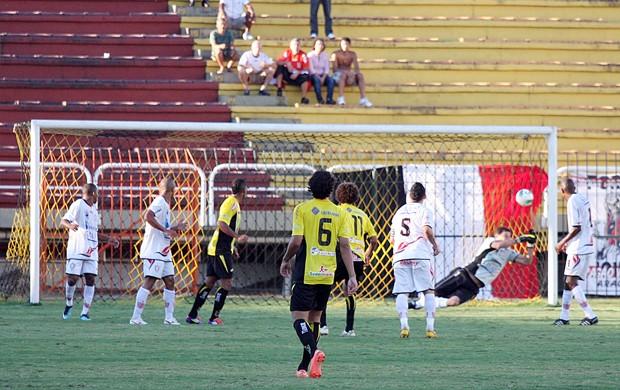 Campeonato Brasileiro Série D 2012: Volta Redonda x Aracruz (Foto: Simon Dias/Rádio ES)