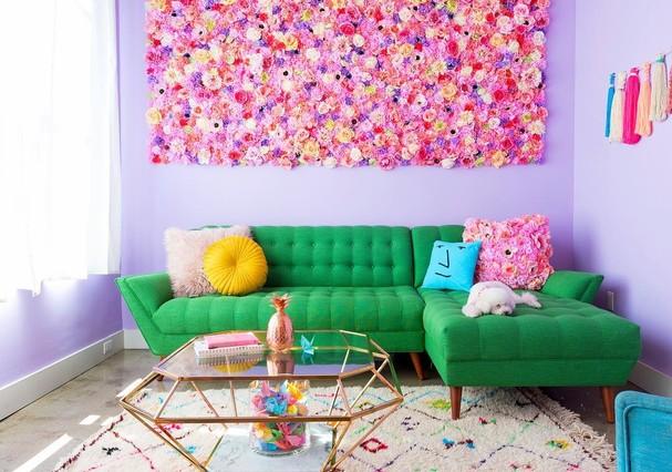 Amina Mucciolo conquistou a internet por ser apaixonada por cores (Foto: Intagram/Reprodução)