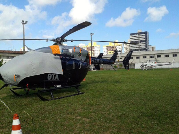 Helicóptero do Governo do Maranhão já está em Natal e ficará na capital potiguar até o final de junho (Foto: Cristiano Couceiro/G1 )