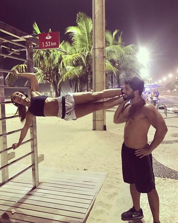 Sabrina Sato e Duda Nagle em Copacabana, Zona Sul do Rio (Foto: Instagram/ Reprodução)