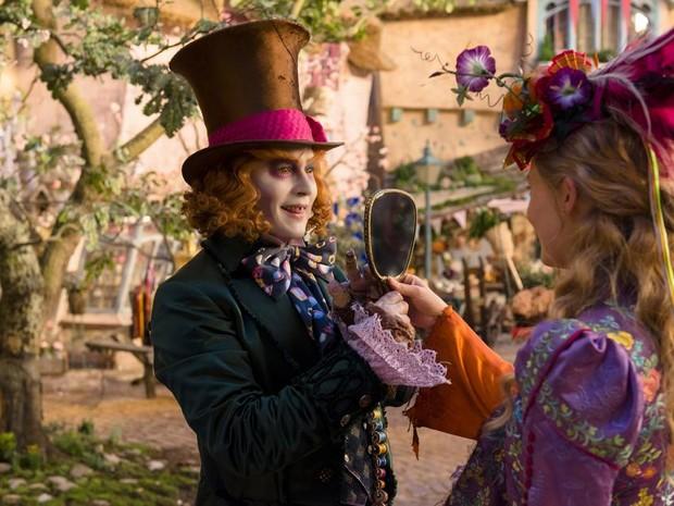 Cena de 'Alice através do espelho' (Foto: Divulgação)
