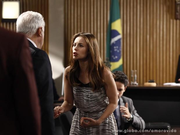 Paloma diz para César que não pode perder sua menina novamente (Foto: Amor à Vida/TV Globo)