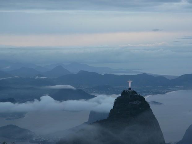 Rio amanhece nublado nesta quarta (6) (Foto: Marcos Teixeixa Estrella/ TV Globo)