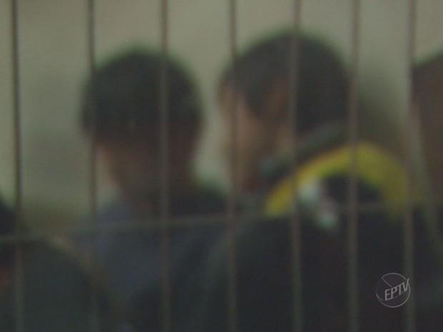 Sul-coreanos chegaram a Campinas com a promessa de se tornarem jogadores de futebol (Foto: Reprodução / EPTV)
