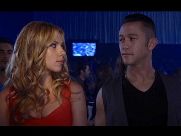 Jason Gordon-Levitt e Scarlett Johanson em cena de 'Don Jon's addiction' (Foto: Divulgação)