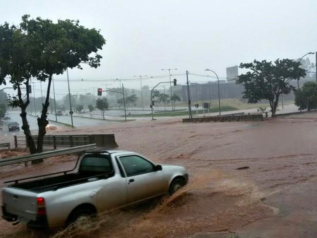 Chuva causou transtornos aos moradores de MS (Foto: Rui Spinola / Arquivo Pessoal)