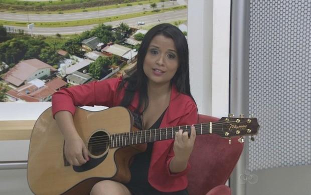 Cantora participou ao vivo do programa (Foto: Acre TV)