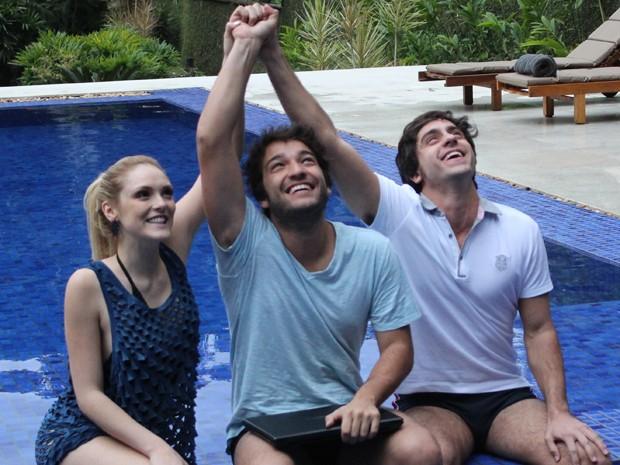Trio recebe contribuição generosa e poderá produzir o Júnior (Foto: Geração Brasil/TV Globo)