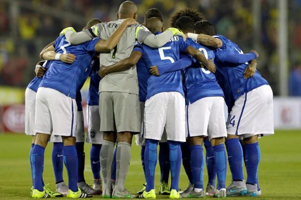 Seleção Brasileira entra em campo neste domingo, dia 21, em jogo decisivo da Copa América, no Chile (Foto: AP)