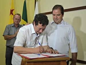 Wolvenar Camargo foi empossado nesta terça-feira (18) para o cargo de assessor especial de governo (Foto: Caio Fulgêncio/G1)
