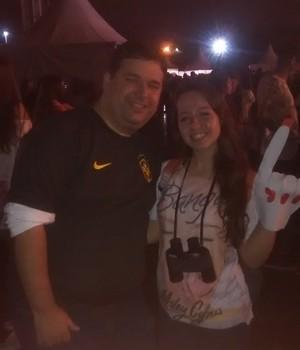 Pai e filha: Odilo Coutinho e Camila, no show de Miley Cyrus (Foto: Felipe Germano/ÉPOCA)