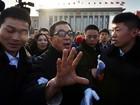 Jackie Chan causa tumulto em abertura de reunião na China