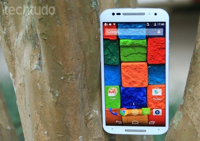 Moto X (2014): celular da Motorola tem tela AMOLED (Foto: Lucas Mendes/TechTudo)