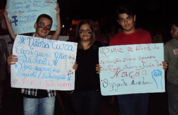 Manifestantes fazem protesto pacífico em Porangatu, Goiás 3 (Foto: Marcus Vinicius Lopes de Oliveira / Arquivo pessoal)
