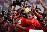 """Alonso destaca """"corrida maluca"""" que rendeu """"pódio com sabor de vitória"""""""