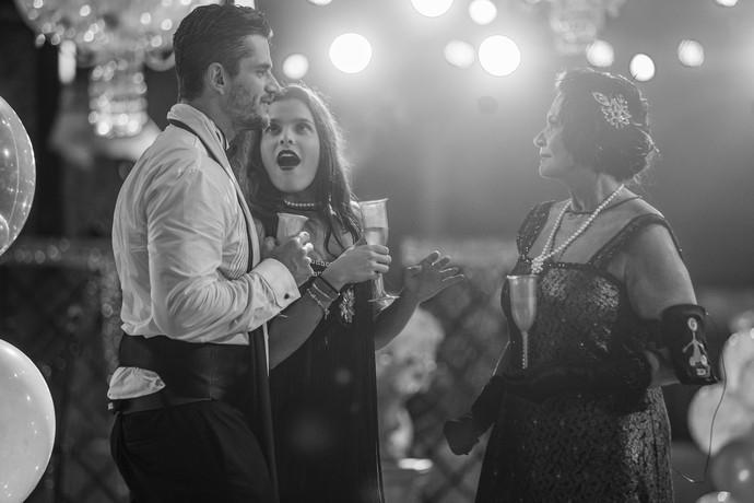 Ieda, Marcos e Emilly na Festa Piscina Retrô  (Foto: Foto: Artur Meninea/Gshow)