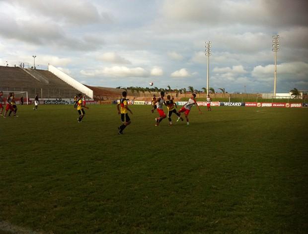 América-RN vence Globo FC por 6 a 0 em jogo-treino (Foto: Tiago Menezes)
