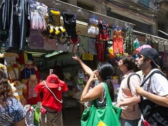 Comércio popular no Centro do Rio (Foto: Glaicon Emrich/Brazil Photo Press/AE)