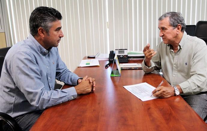 Alexandre Gallo e Parrieira  (Foto: Reprodução / Site oficial da CBF)