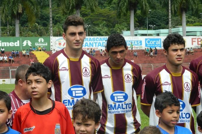 Rafael, Danilo e Vinícius Araújo foram os mais procurados pela torcida. (Foto: Kaleo Martins / Globoesporte.com)