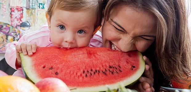 Kyra e Ayra: só comida saudável em casa (Foto: Arquivo pessoal/ Kyra Gracie)