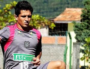Atacante Aloísio no treino do Figueirense (Foto: Carlos Amorim / Figueirense Futebol Clube)