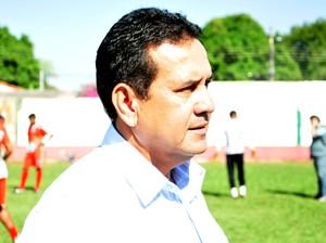 Éder Taques treinador do CEOV (Foto: Robson Boamorte)