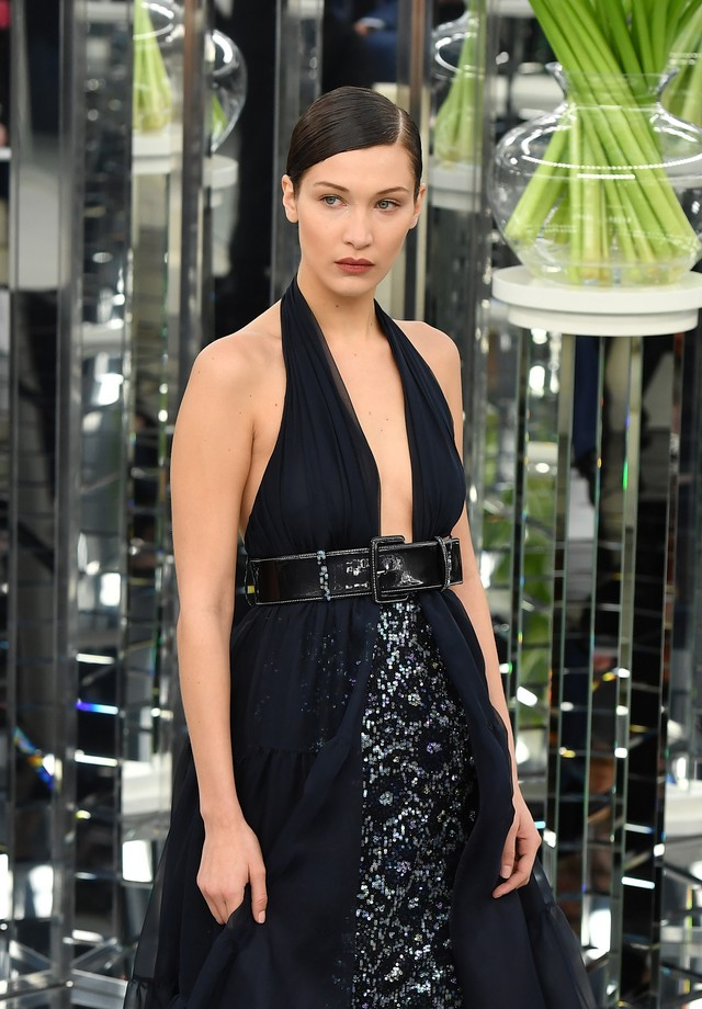 Bella Hadid para Chanel (Foto: Getty Images)