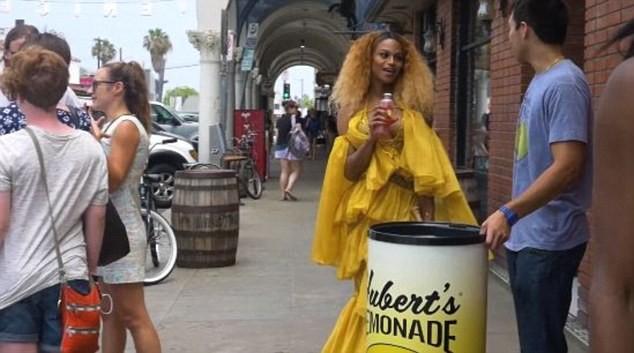 lemonade-trans-2 (Foto: Reproduo/Facebook)