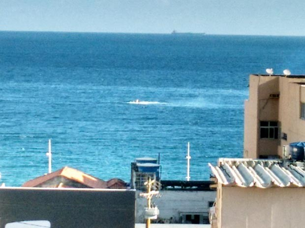 [Brasil] Morre piloto de avião que caiu no mar em Salvador, diz assessoria da FAB Aviao_queda_02_editada