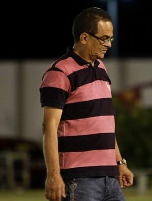 Francisco Diá, técnico do Campinense, Amigão (Foto: Junot Lacet Filho / Jornal da Paraíba)