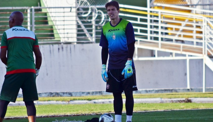 Luan Polli goleiro Boa Esporte (Foto: Régis Melo)