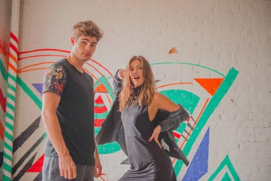 Rafael Vitti e Pâmela Tomé posam juntos para campanha da Coca-Cola Shoes (Foto: Divulgação)
