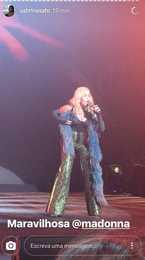 Sabrina Sato vê show de Madonna (Foto: Reprodução/Instagram)