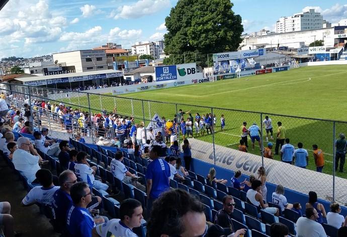 URT x Caldense, estádio Zama Maciel, 1ª rodada Campeonato Mineiro (Foto: Paulo Barbosa)
