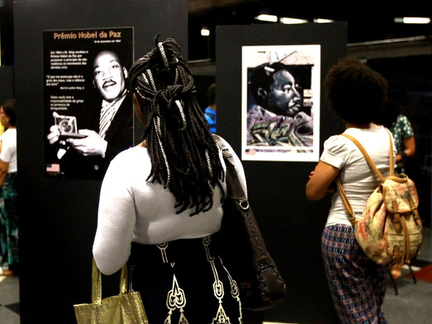 Exposição reúne obras sobre Martin Luther King (Foto: Carla Ornelas/GOVBA)